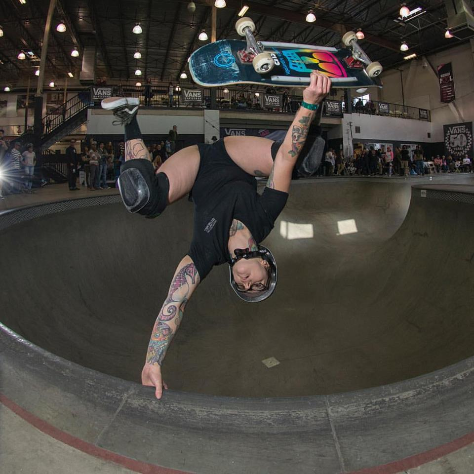 Gabrielle Brownfield one footed invert at Vans girl's combi contest